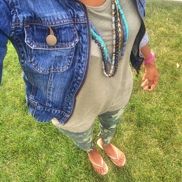 Camo Skinny Jeans Outfit